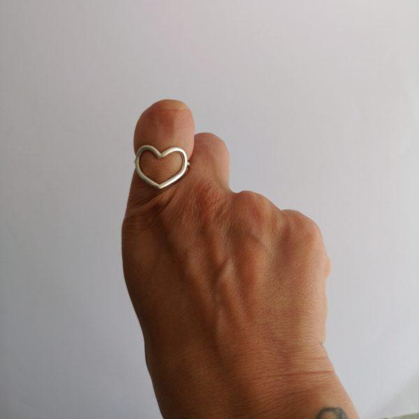 anillo hilo de corazon plata
