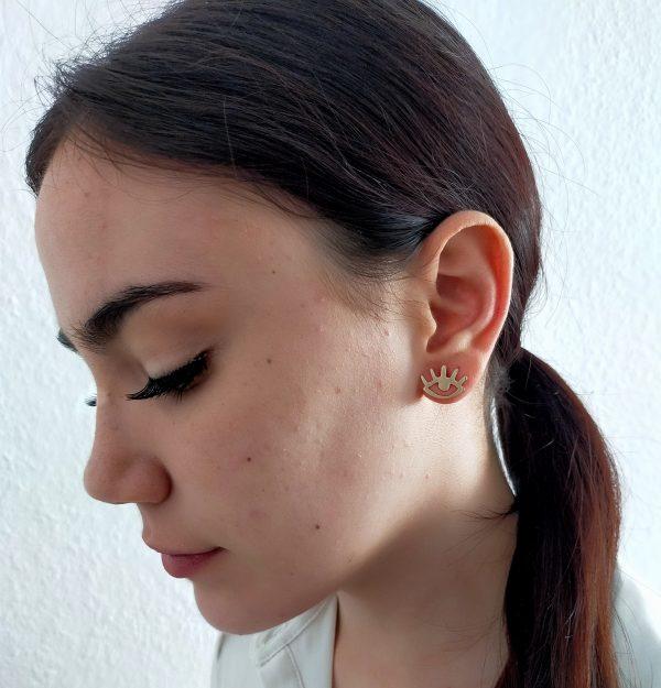 pendiente pequeño ojitos bronce